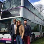 Британская семья переехала жить в двухэтажный автобус