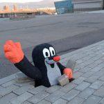 Красноярцы решили обратить внимание на ямы в тротуаре