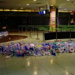 Горы мусора в аэропорту Ибицы