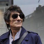 Ронни Вуд, гитарист The Rolling Stones, рассказал о своей борьбе с раком