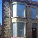 Супруги приобрели двухэтажный дом всего за 1 фунт. В чем подвох?