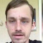Бездомному отдали телефон, и он завел твиттер. Сейчас у него есть всё