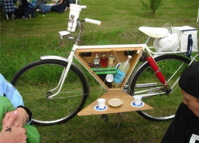 Велосипед с откидным столиком