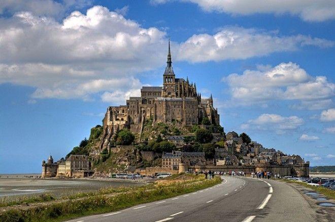 Город Мон-Сен-Мишель во Франции